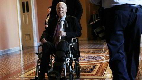 John McCain vil ikke være til stede under avstemmingen om ny skatterform i USA.
