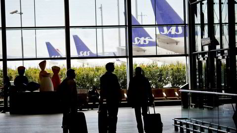Økonomifaget har problemer med å ta stilling til andre tiltak enn avgifter og kvoter. Her fra Oslo lufthavn.
