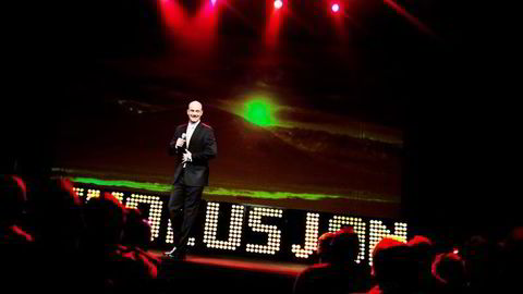 LATTERLIG. Komiker Dagfinn Lyngbø får folk til å le, og kan selv glise av tanken på millionene som strømmer inn