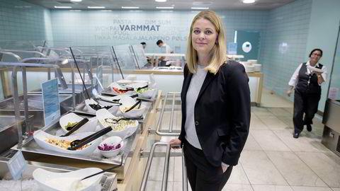 Driftsdirektør Kathinka Friis-Møller i Compass tar gjerne over sykehuskantiner. Her - foreløpig - i bedriftens egen. Foto: