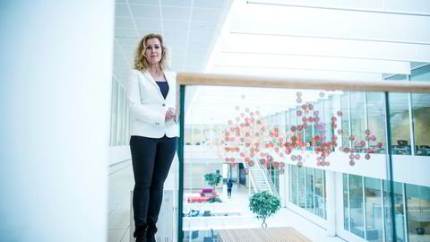 Avskrekkende bøtelegging kan ødelegge samarbeidet mellom myndigheter og industri ved en situasjon med mangel på legemidler, mener administrerende direktør Karita Bekkemellem i Legemiddelindustrien.