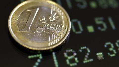 Euroen vil bli billigere frem mot nyttår, ifølge Nordea Markets ferske prognose. Foto: REUTERS/Stefano Rellandini
