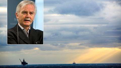 Oljeprisen har halvert seg, men SSB-forsker Ådne Cappelen frykter ingen norsk krise. Foto: Gunnar Blöndal og Per Ståle Bugjerde