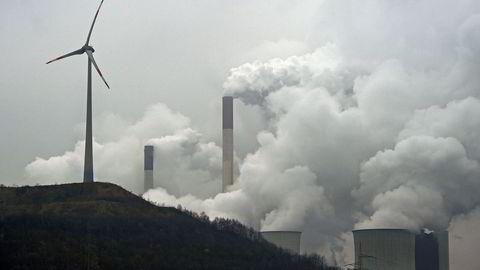 Få, om ingen, har lykkes like godt med å kutte i klimagassutslippene sine som EU. Der har utslippene blitt redusert med 23 prosent siden 1990-nivået, skriver innleggsforfatteren. Her fra et kullkraftverk i Gelsenkirchen i Tyskland.