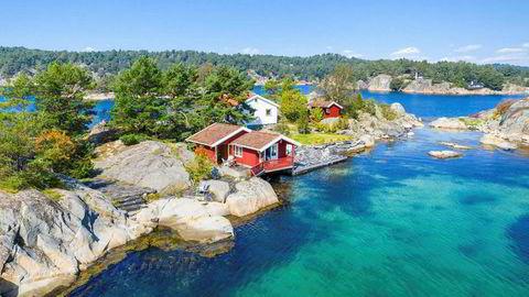 Auen Vasiusholmen i Blindleia ble kjøpt for 9000 kroner i 1966 og bebygget med en enkel hytte på 50 kvadratmeter samt sjøbod og vedskjul.