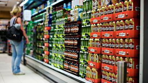 Remas ølsalg har falt med 4,9 prosent de fire siste ukene sammenlignet med samme periode i fjor, ifølge tall fra markedsanalyse- og meningsmålingsbyrået AC Nielsen.