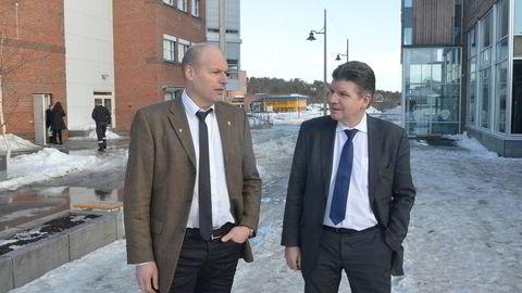 Tidligere sjefsgeofysiker Lars Gunder Klefstad i oljeselskapet North Energy og selskapets tidligere administrerende direktør Erik Karlstrøm (til høyre) utenfor Alta Tingrett. Foto: Rune Ytreberg