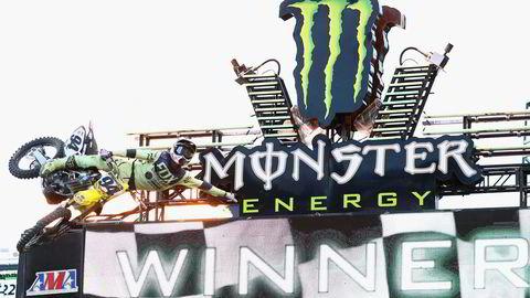 Amerikanske Monster er sammen med Red Bull gigantene i markedet for energidrikker og er store sponsorer innenfor ekstremsport. Her fra  Monster Energy Supercross 2016. Foto: Maddie Meyer/AFP/NTB Scanpix