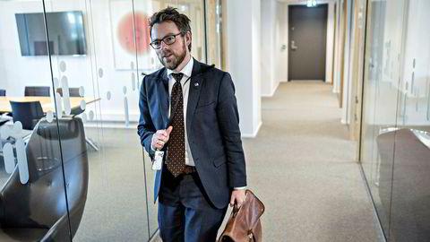 Oslo, 05.09.2016: Høyre legger frem sitt programforslag onsdag. Komiteleder Torbjørn Røe Isaksen forteller om arbeidet på sitt kontor.