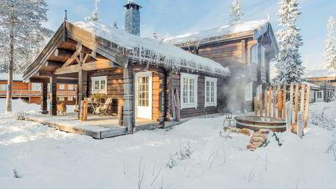Denne 145 kvadratmeter store hytta i Trysilfjellet ble nettopp kjøpt usett av en nordmann i USA for 7,8 millioner kroner.