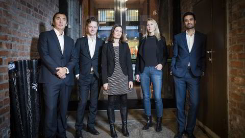 MAKROPANELET. Fra venstre: Olav Chen, Bjørn-Roger Wilhelmsen, Camilla Viland, Erica Blomgren og Shakeb Syed. FOTO: Skjalg Bøhmer Vold