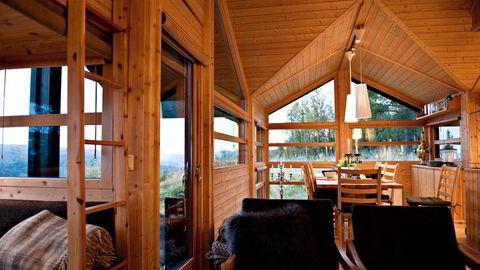 Hytter og sommerhus er fortsatt noe nordmenn higer etter. Her interiør fra en Ålhytte. Foto:Per Ståle Bugjerde