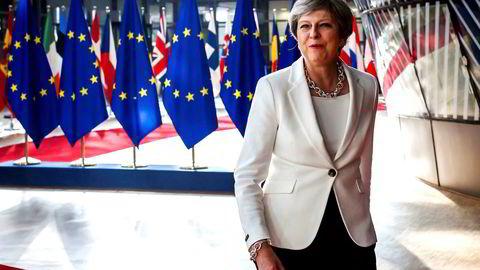 May er nok ikke statsminister lenge. Tidligere finansminister George Osborne har sagt at hun er så godt som «dødsdømt» i jobben (selvfølgelig uten å nevne at hans innstramningspolitikk spilte en rolle i valgresultatet).
