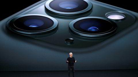 Apple lanserte tirsdag kveld sin første telefon med tre kamera.