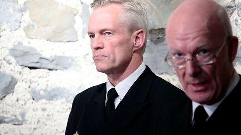 Forsvarssjef Haakon Bruun-Hanssen og sjef for sjøforsvaret Nils Andreas Stensønes møtte pressen etter at Statens havarikommisjon la frem sin foreløpige rapport om fregattulykken torsdag.
