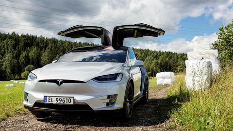 Introduksjonen av Tesla Model X betegnes som en milepæl i Teslas årsberetning.