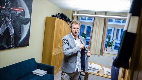 SVs Snorre Valen mener fordelingsprofilen i skatteforliket er for svak. Foto: Gunnar Blöndal