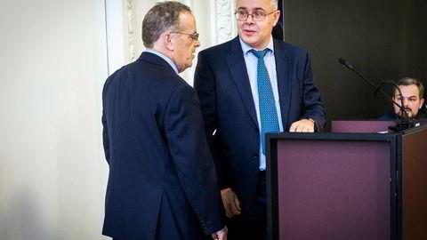 Mandag formiddag møtte Danske Bank-varsler Harold Wilkinson (til høyre) og hans advokat Stephen Kohn  i Folketinget i København.