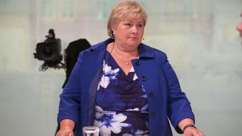 Statsminister Erna Solberg (H) i partilederdebatten i Arendal torsdag kveld. Foto: Terje Bendiksby /