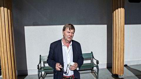 Svein Larsen er sjef i Radio Metro og Radio Rox, samt medeier i Asker og Bærum Lokalradio. Myndighetene ettergår alle tre for regelbrudd.