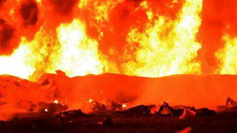 Tragedien i Mexico har kostet minst 66 mennesker livet. En rørledning eksploderte under ulovlig tapping av olje.