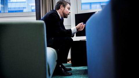 En frihandelsavtale med Kina kan bli viktig for norsk økonomi og norske arbeidsplasser, understreker næringsminister Torbjørn Røe Isaksen.