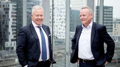 Konsernsjef Helge Leiro Baastad til venstre og kommunikasjonsdirektør i Gjensidige Øystein Thoresen. Sistnevnte kan bekrefte at de legger ned driften av Gjensidige Eiendomsmegling.