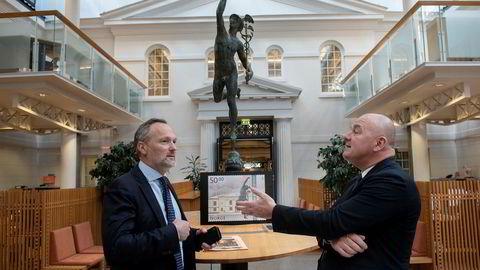 – Det vil bli sentralisering av noen funksjoner og da kan noen roller bli overflødig. Men vi ønsker å vokse innenfor andre områder, sier Euronext-sjef Stéphane Boujnah (til høyre). Her sammen med børsdirektør Håvard S. Abrahamsen.