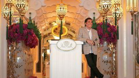 Steve Wynn ble i fjor kastet som toppsjef for kasinoselskapene han bygget opp i Las Vegas og Macau. Nå er Wynn Resorts i ferd med å foreta et oppkjøp av en australsk konkurrent og nærmere målet om å være til stede i verdens største kasinomarkeder.