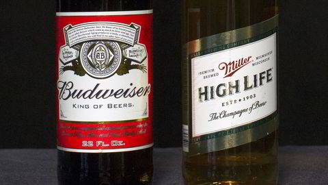 Verdens største ølprodusent Anheuser-Busch InBev kjøper sin største rival SABMiller for 920 milliarder kroner. Foto: REUTERS/Brendan McDermid