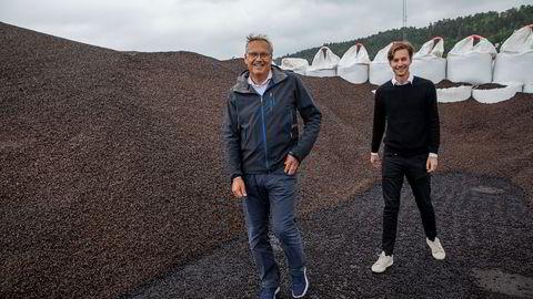 Bjørn Halvard Knappskog, daglig leder (til høyre) og gründer Rune Brusletto i Arbaflame er i forhandlinger med to danske kullkraftverk og i dialog med flere japanske.
