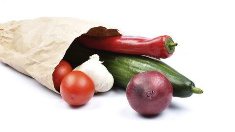 Dessverre er mye økologisk mat vi spiser i Norge importert – fordi Tine og de andre samvirkene har valgt at forbrukerne ikke vil ha økologisk, mener forfatteren. Foto: Istock