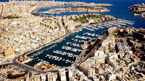 Min advokat har bedt KPMG på Malta om å rette opp alle feilene umiddelbart. Når KPMG gjør sine korreksjoner, så håper jeg et maltesisk nettsted på nytt omtaler saken. De trenger ikke kontakte meg denne gangen heller, men jeg håper inderlig at Dagens Næringsliv snapper opp nyheten da en sak alltid har to sider, skriver artikkelforfatteren. Bildet er fra hovedstaden Valletta, Malta.