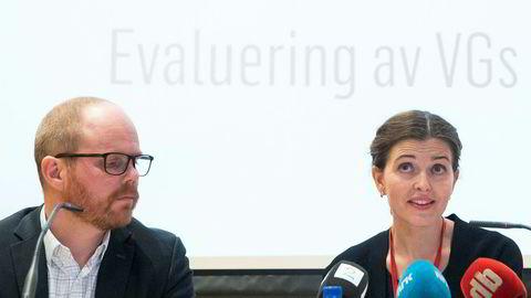 Sjefredaktør Gard Steiro og nyhetsredaktør Tora Bakke Håndlykken under VGs egen evaluering av avisens dekning av den såkalte Giske-videosaken. Håndlykken sier det er bra at saken skal behandles av PFU.