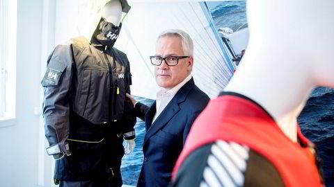 Administrerende direktør i Helly Hansen Paul Stoneham får ti ganger fem millioner kroner hvis han fortsatt er toppsjef i selskapet om tre år.