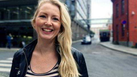 Louise Fuchs bytter ut bloggere med matvarer. Hun startet i jobben på mandag.