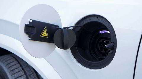 Om et par år blir alle nye bilmodeller fra Volvo helelektriske eller hybrider.