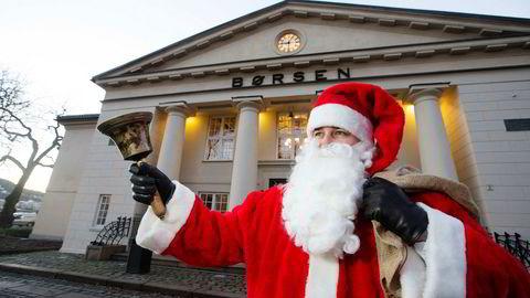 Hver lillejulaften åpner julenissen Oslo Børs.