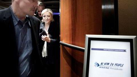 Det er knyttet stor usikkerhet til valget i Frankrike. Dersom Marine le Pen blir Frankrikes president, kan det gi ytterligere vind i seilene for euroskeptikerne.