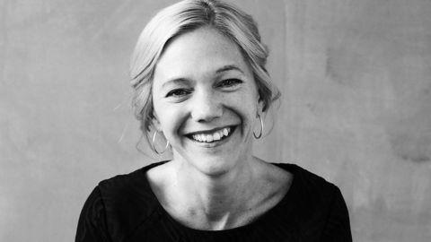 Hull i kuben. Maja Lunde skriver om verdens undergang på grunn av manglende pollinering. Foto: Oda Berby / Aschehoug