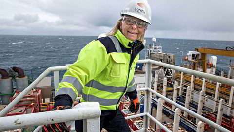 Kristin Færøvik, sjef for Lundin i Norge, her på boreriggen Leiv Eiriksson i 2016 da riggen drev avgrensningsboring på Alta-funnet i Barentshavet.