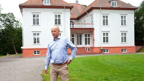 Senterparti-leder Trygve Slagsvold Vedum har vært i kontakt med mange banksjefer som er bekymret for at nye kapitalkrav kan redusere utlånskapasiteten til lokalt næringsliv. Her fra åpningen av valgkampen på Eidsvoll Verk.