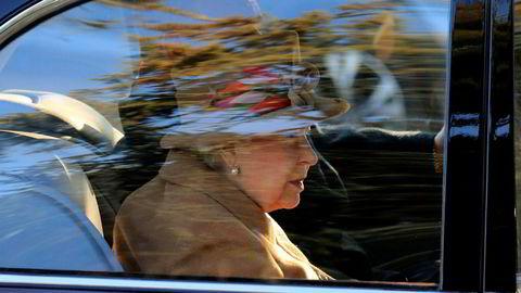 Dronning Elisabetzh, her på vei til en gudstjeneste i midten av januar.