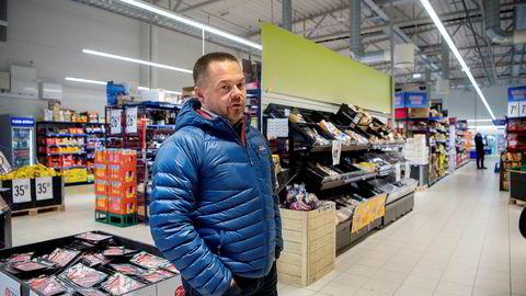 Tidligere Rema-kjøpmann Jørn O. Malinen har mange gode minner fra Rema-tiden, for eksempel da han fikk et «tusen takk for strålende innsats i mange år»-kort fra Rema-sjef Ole Robert Reitan. Da ble kjøpmannen rørt til tårer.