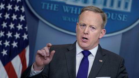 Pressetalsmenn Sean Spicer i Det hvite hus under tirsdagens pressekonferanse hvor han sa at USA har mye å tjene økonomisk på at Norwegian har fått flytillatelse i USA.