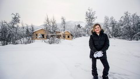 Karoline Ellingbø (25) benytter seg av alpinanlegget i Raudalen alpinanlegg. Om ikke så lenge, kan hun kjøre rett fra bakken til den nybygde hytta i dette hyttefeltet. Foto: