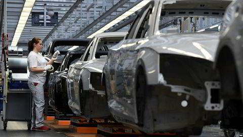 Flere indikatorer forteller om lavere fart i tysk økonomi. Dette bildet er fra produksjonslinjen i Audi-fabrikken i Ingolstadt.