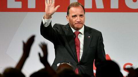 Statsminister Stefan Löfven fra Socialdemokraterna er ønsket til en samtale med Alliansen-partiene på høyresiden.