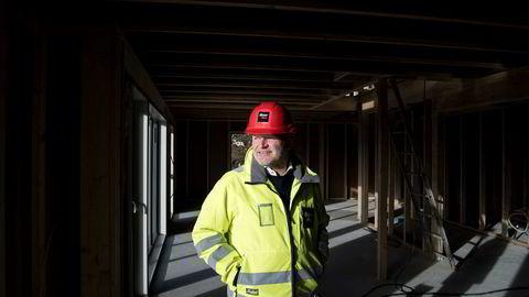Njål Østerhus (bildet) tjener fortsatt gode penger i et trått boligmarked i oljefylket Rogaland.