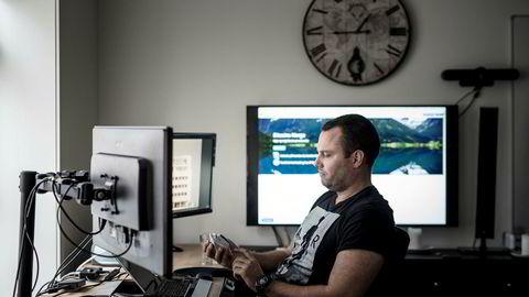 Ole-André Torjussen eier Bitcoins Norge. Her er han fotografert i lokalene til kryptobørsen i Stavanger.